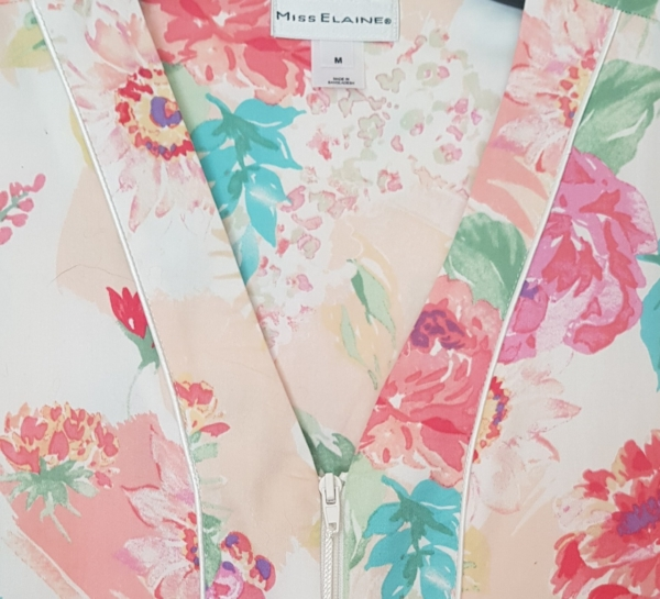 Miss Elaine Peach Floral Housecoat Closeup